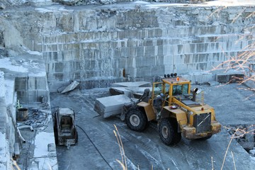 Limestone quarrying in Omberg's quarry. Photo: Bernd Beckmann